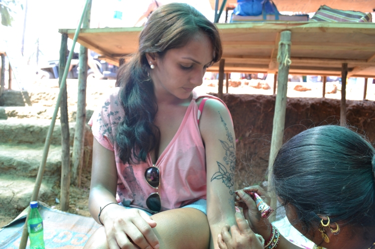 Getting mehndi done at Anjuna Market Priya Mulji
