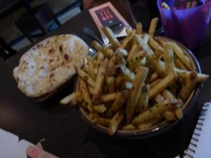 Tamatanga Chips & Naan Bread