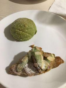 Matcha croissant - pan de vie